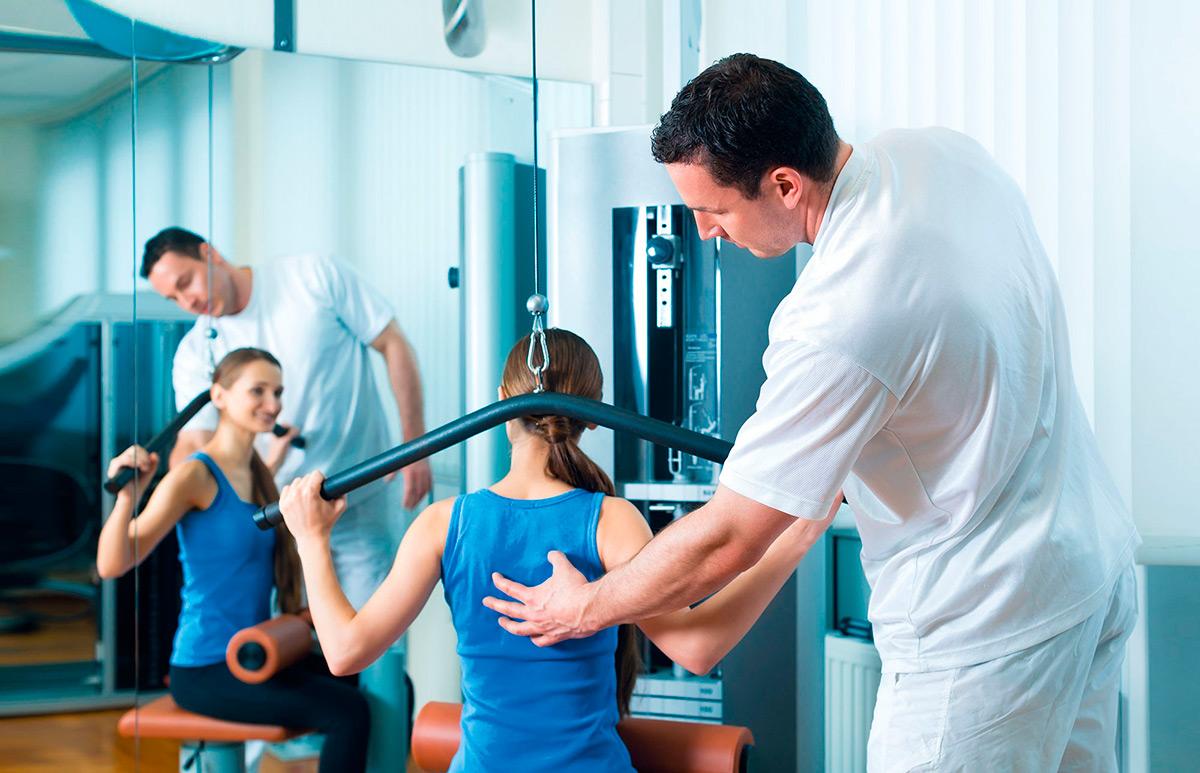 Тренировки с квалифицированными фитнесс-специалистами